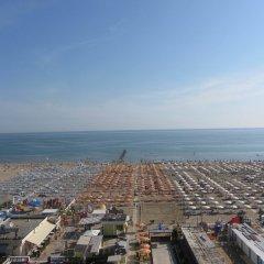 Hotel Carlton Beach пляж