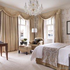Four Seasons Hotel Prague комната для гостей
