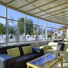 Malia Bay Beach Hotel & Bungalows интерьер отеля