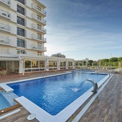Отель Gran Sol бассейн