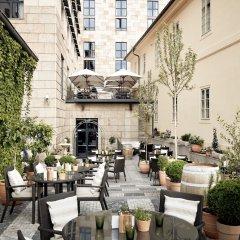 Отель Four Seasons Hotel Prague Чехия, Прага - 6 отзывов об отеле, цены и фото номеров - забронировать отель Four Seasons Hotel Prague онлайн фото 2