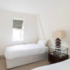Отель Gorgeous 3BR home near Portobello Road! Великобритания, Лондон - отзывы, цены и фото номеров - забронировать отель Gorgeous 3BR home near Portobello Road! онлайн комната для гостей фото 4