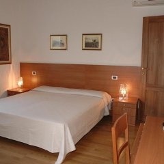 Отель Villa Pinella Прамаджоре комната для гостей фото 4
