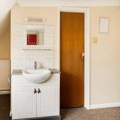 Отель OYO Gulliver's Великобритания, Кемптаун - 1 отзыв об отеле, цены и фото номеров - забронировать отель OYO Gulliver's онлайн ванная фото 2