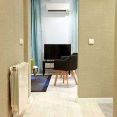 Апартаменты Feelathome Madrid Suites Apartments комната для гостей