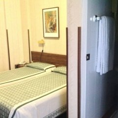 London Hotel комната для гостей