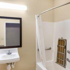 Отель Comfort Suites Plainview ванная