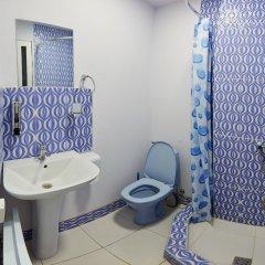 Отель Хостел Luys Hostel & Turs Армения, Ереван - отзывы, цены и фото номеров - забронировать отель Хостел Luys Hostel & Turs онлайн ванная фото 2
