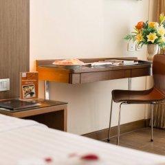 Отель On8 Sukhumvit Nana Bangkok by Compass Hospitality удобства в номере