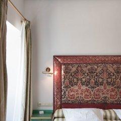 Las Casas De La Juderia Hotel сейф в номере