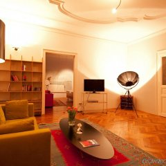 Small Luxury Hotel Altstadt Vienna развлечения