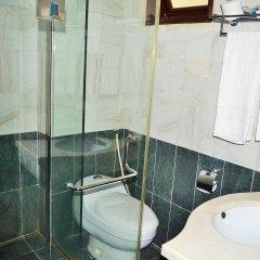 Отель Hoa Binh Ha Long Hotel Вьетнам, Халонг - отзывы, цены и фото номеров - забронировать отель Hoa Binh Ha Long Hotel онлайн ванная