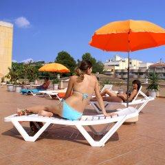 Отель Apartaments Costa d'Or бассейн фото 3