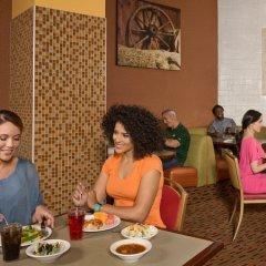 Отель Arizona Charlie's Boulder - Casino Hotel, Suites, & RV Park США, Лас-Вегас - отзывы, цены и фото номеров - забронировать отель Arizona Charlie's Boulder - Casino Hotel, Suites, & RV Park онлайн питание фото 3
