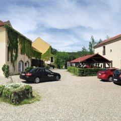 Отель Usedlost Kotlářka Чехия, Прага - отзывы, цены и фото номеров - забронировать отель Usedlost Kotlářka онлайн парковка