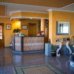 Hotel Alpina Вильянуэва-де-Ароса интерьер отеля фото 2