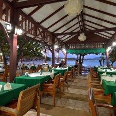 Отель First Bungalow Beach Resort питание фото 2