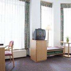 Отель City Hotel Pilvax Венгрия, Будапешт - 7 отзывов об отеле, цены и фото номеров - забронировать отель City Hotel Pilvax онлайн удобства в номере