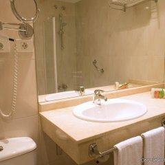 Отель Cityexpress Santander Parayas Испания, Сантандер - отзывы, цены и фото номеров - забронировать отель Cityexpress Santander Parayas онлайн ванная