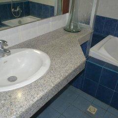 Отель Bliss Hotel Dau Филиппины, Мабалакат - отзывы, цены и фото номеров - забронировать отель Bliss Hotel Dau онлайн ванная