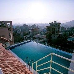 Отель Beautiful Kathmandu Hotel Непал, Катманду - отзывы, цены и фото номеров - забронировать отель Beautiful Kathmandu Hotel онлайн бассейн