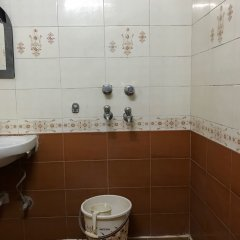 Hotel Star Palace Paharganj in New Delhi, India from 19$, photos, reviews - zenhotels.com bathroom photo 2