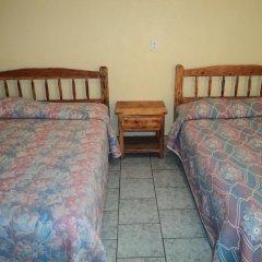 Отель Los Pinos Мексика, Креэль - отзывы, цены и фото номеров - забронировать отель Los Pinos онлайн комната для гостей фото 4