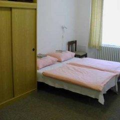 Отель Church Pension Praha - Husuv Dum комната для гостей фото 5
