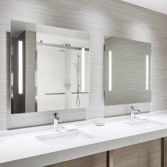 Отель AC Hotel by Marriott Phoenix Biltmore США, Финикс - отзывы, цены и фото номеров - забронировать отель AC Hotel by Marriott Phoenix Biltmore онлайн ванная