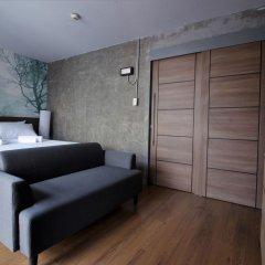 Urbanite Hostel Бангкок сейф в номере
