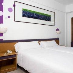 Отель Villa Miel сейф в номере