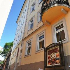 Отель FESTIVAL Hotel Apartments Чехия, Карловы Вары - отзывы, цены и фото номеров - забронировать отель FESTIVAL Hotel Apartments онлайн вид на фасад фото 2
