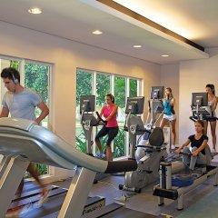 Отель La Pirogue A Sun Resort фитнесс-зал