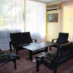 Hotel Varshava Золотые пески комната для гостей фото 5