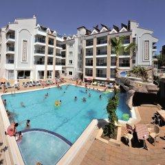 Epic Hotel & Apartments бассейн