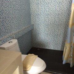 Отель Wilai Guesthouse бассейн