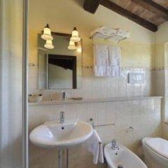 Отель Fattoria Abbazia Monte Oliveto Италия, Сан-Джиминьяно - отзывы, цены и фото номеров - забронировать отель Fattoria Abbazia Monte Oliveto онлайн ванная