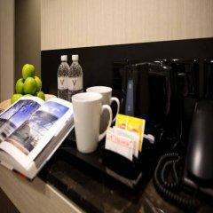 Отель V Bencoolen Сингапур удобства в номере фото 2