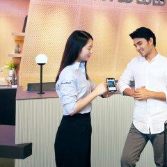 Отель lyf Funan Singapore by Ascott Сингапур интерьер отеля