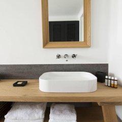 Отель Porto Fira Suites Греция, Остров Санторини - отзывы, цены и фото номеров - забронировать отель Porto Fira Suites онлайн ванная