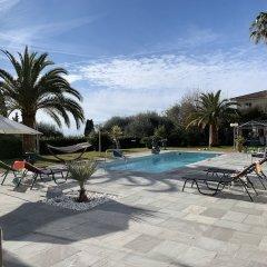 Отель Luxueuse et Confortable Villa sur Mer Франция, Ницца - отзывы, цены и фото номеров - забронировать отель Luxueuse et Confortable Villa sur Mer онлайн бассейн