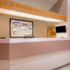 Отель Super 8 by Wyndham Jasper интерьер отеля