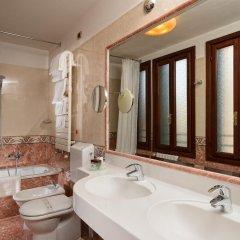 Отель Albergo Cavalletto & Doge Orseolo Италия, Венеция - 13 отзывов об отеле, цены и фото номеров - забронировать отель Albergo Cavalletto & Doge Orseolo онлайн ванная