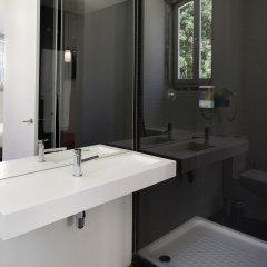 Отель Ascensor da Bica - Lisbon Serviced Apartments Португалия, Лиссабон - отзывы, цены и фото номеров - забронировать отель Ascensor da Bica - Lisbon Serviced Apartments онлайн ванная