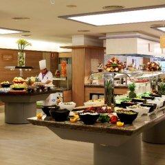 Отель Golden Avenida Suites питание фото 3