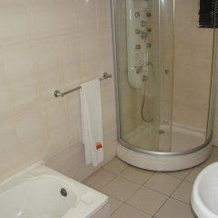 Отель Charlies Place And Suite ванная