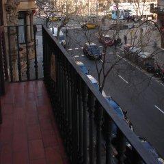 Отель Els Angels Hostal Барселона балкон