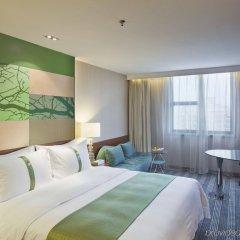 Отель Holiday Inn Shenzhen Donghua Китай, Шэньчжэнь - отзывы, цены и фото номеров - забронировать отель Holiday Inn Shenzhen Donghua онлайн комната для гостей фото 3