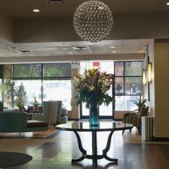 Отель Holiday Inn LaGuardia Airport США, Нью-Йорк - отзывы, цены и фото номеров - забронировать отель Holiday Inn LaGuardia Airport онлайн интерьер отеля
