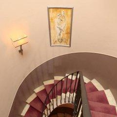 Отель Condotti Palace балкон